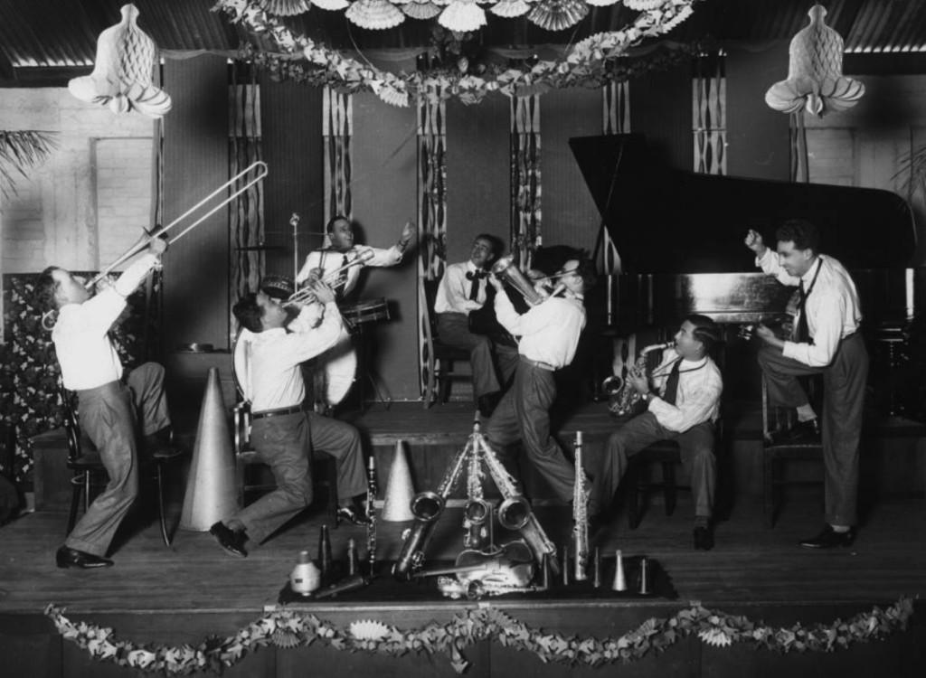A 1920 S Speakeasy Themed Gin Bourbon Amp Cocktail Festival
